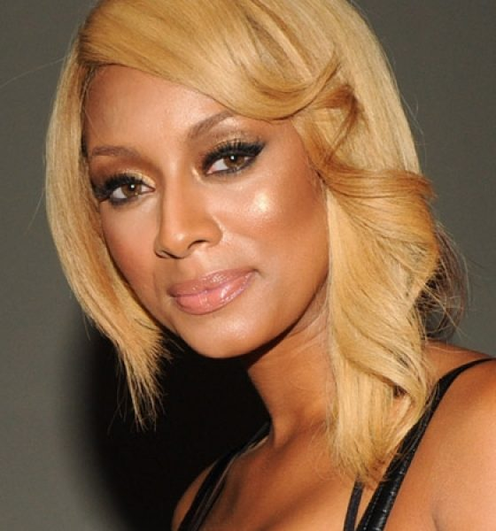 Get the Look: Keri Hilson's Blinging Bronze Makeup at the Moet Rose Lounge
