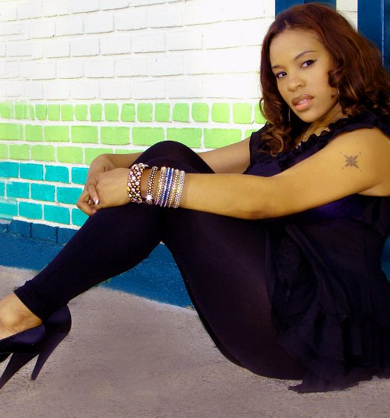 Bronze Chats with R&B Singer/Songwriter Lina
