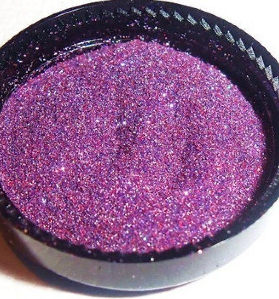 Lipstick Trend: Cosmic Glitter
