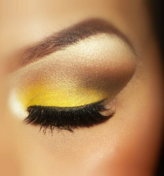 Get The Look: Smokin Yellow Eyes