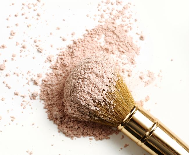 ... Magazine u00bb Celebrating Women of Color u00bb Art of the Makeup Brush