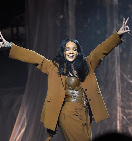 Rihanna Headlines Made in America 2016!