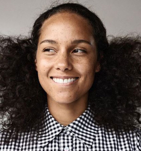 Alicia Keys Embraces her Bare & Natural Beauty