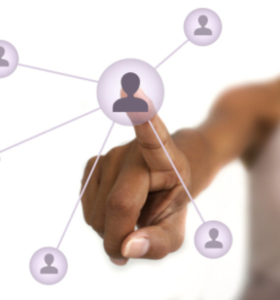 The Advantages and Disadvantages to Making Money on Social Media